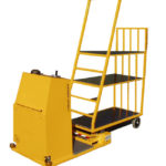 TL 100 AC - Stable and manoeuvrable electrical towing vehicle for narrow warehouse areas